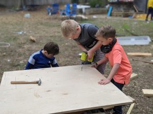 Kids Learning on their own - Acton Academy